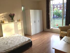 Thumbnail 2 bed flat to rent in Boroguh, London