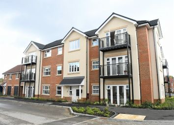 2 bed flat for sale in Hurst Avenue, Blackwater, Camberley GU17