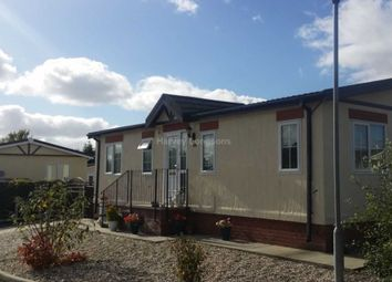 Thumbnail 2 bed mobile/park home for sale in Station Road, Sandycroft, Deeside