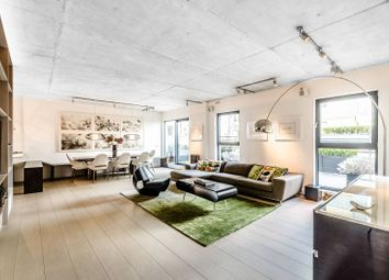 Thumbnail 4 bed flat to rent in Oval Road, Camden Town