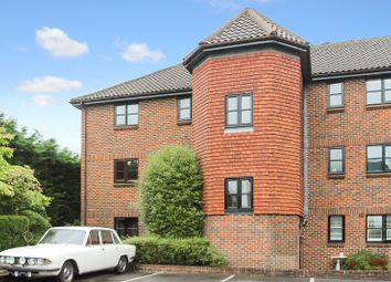 Thumbnail 2 bed flat to rent in Maple Leaf Close, Biggin Hill, Westerham
