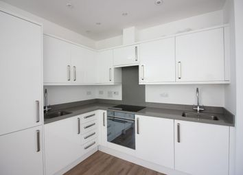 Thumbnail Flat to rent in Highfield Road, Golders Green