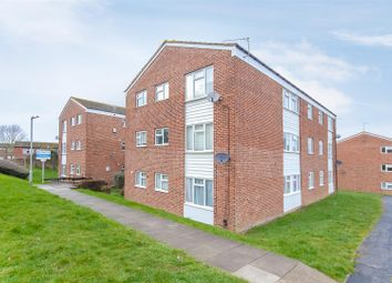 Thumbnail 2 bed flat for sale in Lovejoy Lane, Windsor
