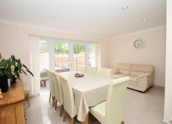 Thumbnail 4 bed town house for sale in Kensington Close, London