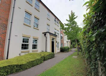 Lippincote Court, Oxford Road, Tilehurst, Reading RG31. 2 bed flat