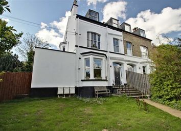 Thumbnail 2 bed property for sale in Kings Road, Berkhamsted Centre, Hertfordshire