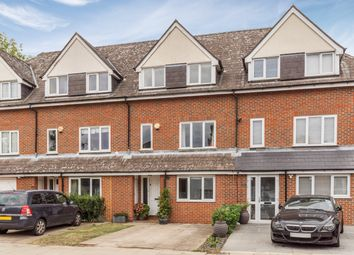 4 bed town house for sale in Selborne Road, London N14