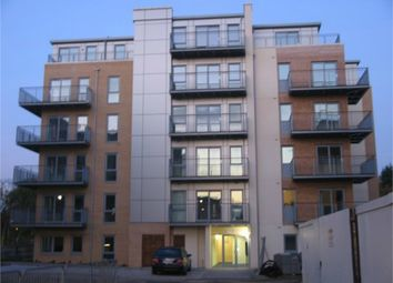 Thumbnail Room to rent in Fortune Avenue, Edgware, Middlesex