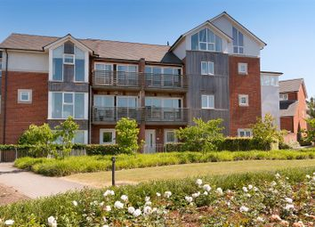 3 bed town house for sale in Sungold Walk, Kings Hill, West Malling ME19