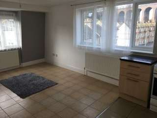 Thumbnail 2 bed flat to rent in Bradstone Road, Folkestone
