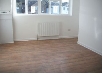 Thumbnail 1 bed flat to rent in Chipstead Valley Road, Coulsdon
