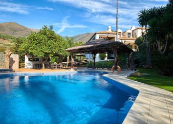 Thumbnail 10 bed villa for sale in Casares, Malaga, Spain
