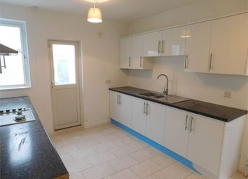 4 bed end terrace house to rent in Adelaide Terrace, Great West Road, Brentford, Brentford, Greater London TW8