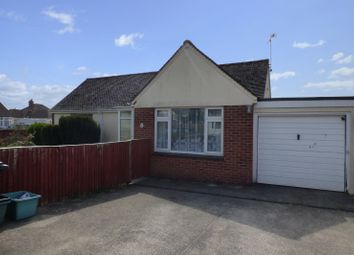 Thumbnail 4 bed detached bungalow to rent in Lyndale Road, Kingsteignton, Newton Abbot