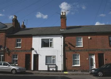 3 bed property to rent in Stanley Street, Reading RG1