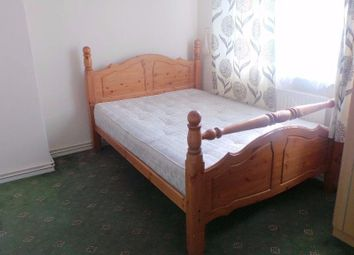 Thumbnail 2 bed flat to rent in Wellesley Street, Stepney Green