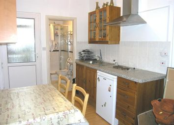 Thumbnail 1 bed flat to rent in Beverley Avenue, Raynes Park, London