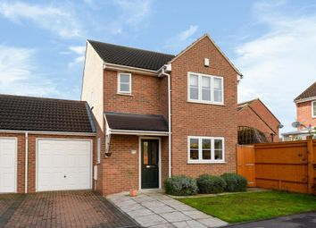 Thumbnail 3 bedroom detached house to rent in Broadfields, East Oxford