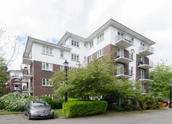 Thumbnail 1 bed flat to rent in Brompton Park Crescent, West Brompton
