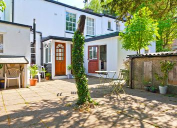 Thumbnail 2 bedroom flat for sale in North Hill, Highgate