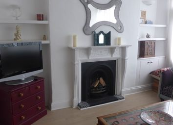 Thumbnail 1 bed flat to rent in Rock Street, Brighton