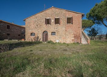 Thumbnail 8 bed country house for sale in Pienza, Siena, Tuscany, Italy