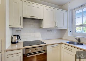Thumbnail Flat to rent in Vauxhall Street, London
