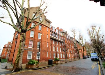 Thumbnail 3 bed flat to rent in Clifton House, Shoreditch