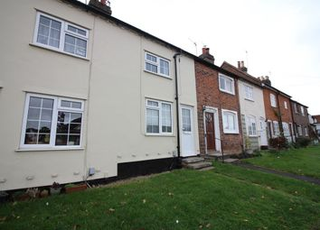 Thumbnail 2 bed cottage to rent in High Street, Bovingdon, Hemel Hempstead