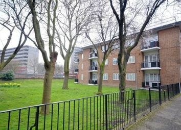 Thumbnail 4 bed flat to rent in County Street, Borough