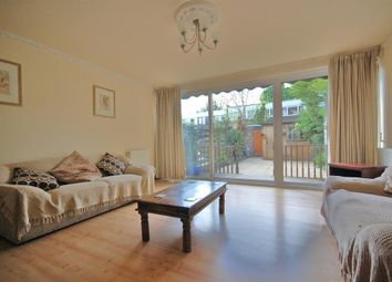 3 bed property to rent in Elton Place, Stoke Newington, London N16