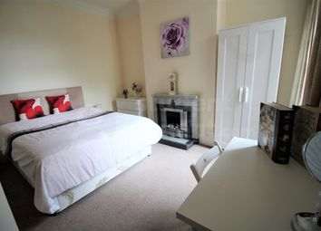 Thumbnail Room to rent in Linden Avenue, Wembley, Greater London