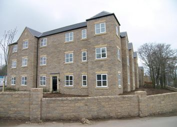 Thumbnail 2 bedroom flat to rent in Spinnaker Close, Ripley