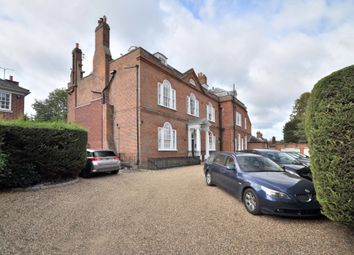 Thumbnail 2 bed flat for sale in St Pauls Cray Road, Chislehurst, Kent