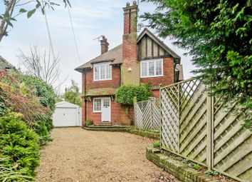 Thumbnail 5 bed detached house to rent in Paddockhall Road, Haywards Heath