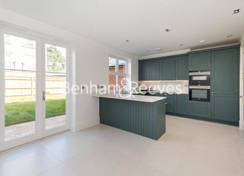 Thumbnail 4 bed flat to rent in Rookery Lane, Trent Park, Enfield