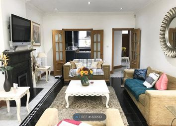 Room to rent in Fairholme Close, London N3