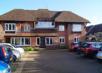 Penns Court, Steyning, West Sussex BN44. 2 bed flat for sale