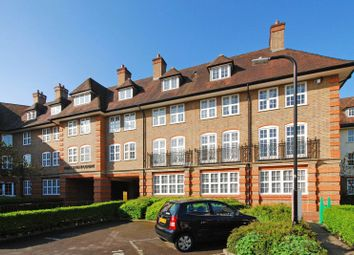 Thumbnail 2 bed flat to rent in Corringway, Golders Green