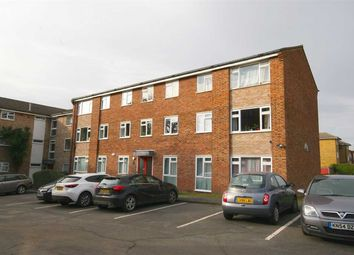 Thumbnail 2 bed flat to rent in Oaklands Road, Bromley