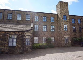 2 bed flat to rent in Highgate Mill Fold, Queensbury, Bradford BD13