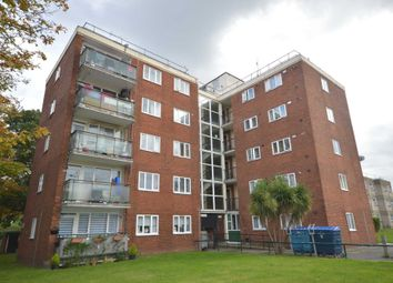 3 bed flat for sale in Brinkburn Close, London SE2