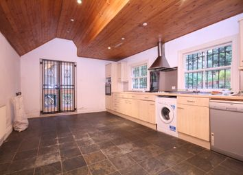 Thumbnail 3 bedroom flat to rent in Mildmay Grove South, Islington