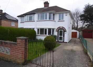 3 bed property for sale in Windermere Road, Reading RG2