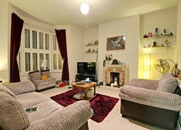 Thumbnail 2 bedroom flat to rent in Dollis Road, Finchley, London