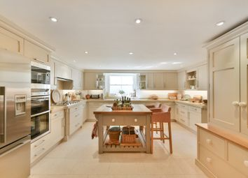 Thumbnail 4 bed end terrace house to rent in Queensdale Road, Holland Park