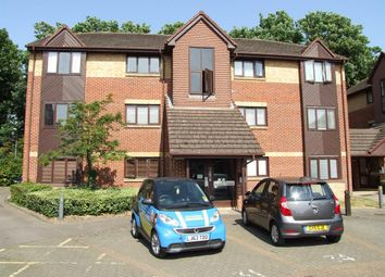 Thumbnail 1 bed flat to rent in Rossignol Gardens, Carshalton, Surrey