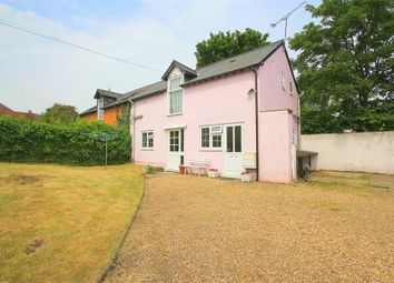 Thumbnail 2 bed cottage to rent in Bath Road, Maidenhead, Berkshire