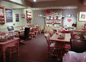 Thumbnail Restaurant/cafe for sale in Cafe & Sandwich Bars YO62, Helmsley, North Yorkshire