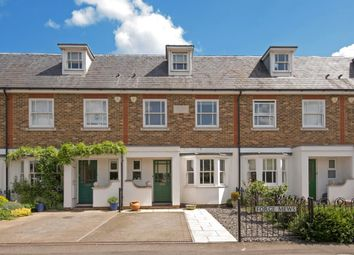 4 bed town house for sale in Forge Mews, Lower Sunbury TW16
